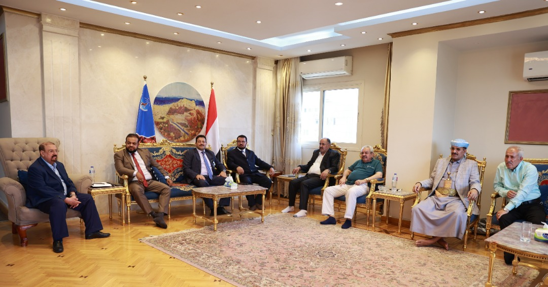 رئيس مجلس النواب يلتقي قيادات الجالية اليمنية في الولايات المتحدة الأمريكية