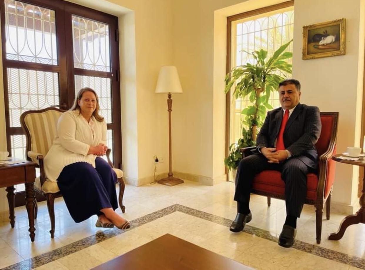 العيسي يثمن الجهود الأمريكية لإحلال السلام في اليمن ويؤكد على استكمال تنفيذ اتفاق الرياض وعودة كافة مكونات الشرعية إلى عدن