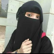 ورد الان  : طالبة يمنية تقتل زميلتها في زقاق بسبب مقطع